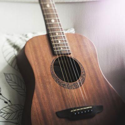 【小ネタ】ギター・ウクレレにピックアップが必要な理由