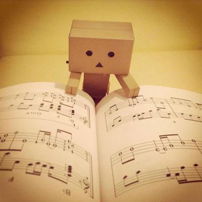 楽譜読むダンボー